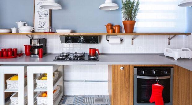 Prateleiras para cozinha: 50 ideias para deixar tudo à mostra