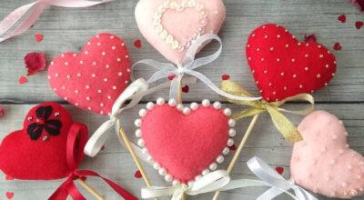 Corações de feltro: como fazer e 30 ideias muito fofas