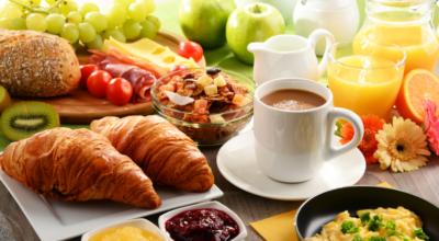 Como montar um café da manhã de aniversário com muito amor e carinho