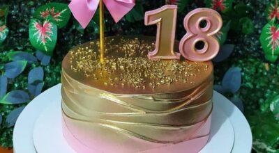Modelos lindos de bolo de 18 anos e como fazer um para celebrar a data