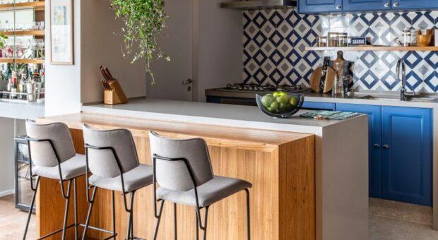 80 opções de bancada de madeira para cozinha que decoram com charme